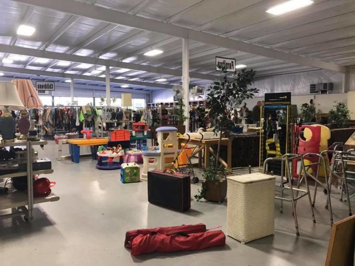 Alabama thrift store with second hand goods for sale