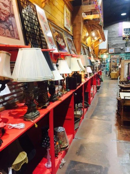Homewares for sale in a thrift store in Mississippi
